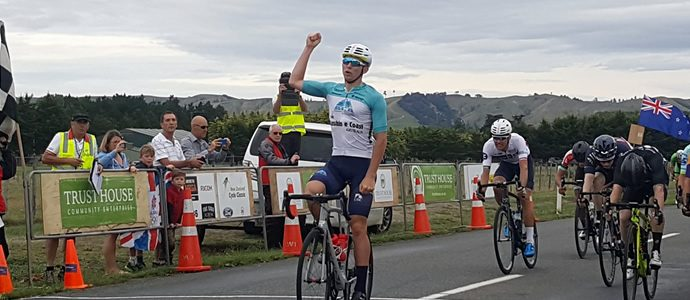 Scott wins stage 2 of NZ Cycle Classic, Reddish retains yellow
